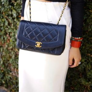 Diana Medium Flap Bag 💎 Vintage Dark Navy Blue